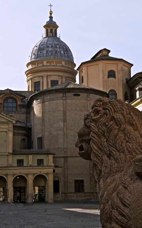 p,re,2014,reggio_nell_emilia,piazza_san_prospero,w,998,caba2011